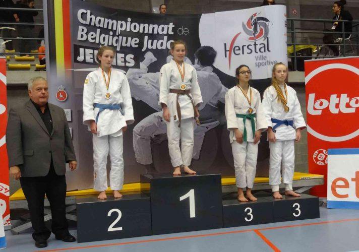 Leyla 5de plaats en Sofie Belgisch kampioen! Proficiat!